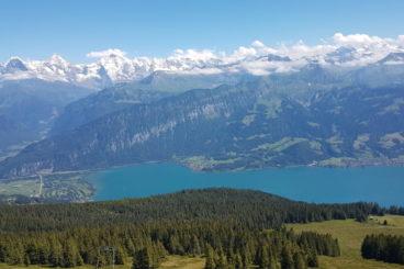En-dessus des lacs de Thoune & Brienz en panoramique 26 & 27 juin 2021